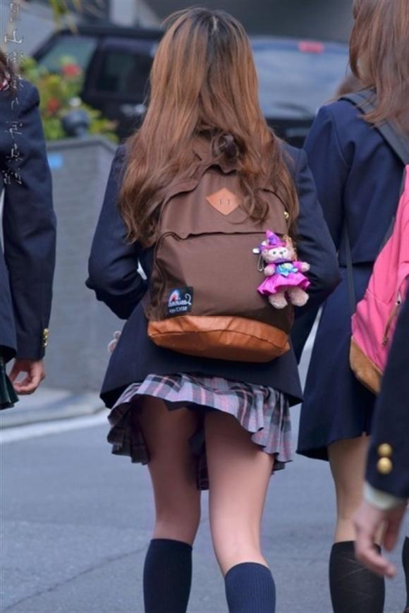 【女子校生】JKのパンツ見れるとなんでこんなにハッピーな気分になれるんだろうなwwwwwww【画像30枚】10_20180725010836d3c.jpg