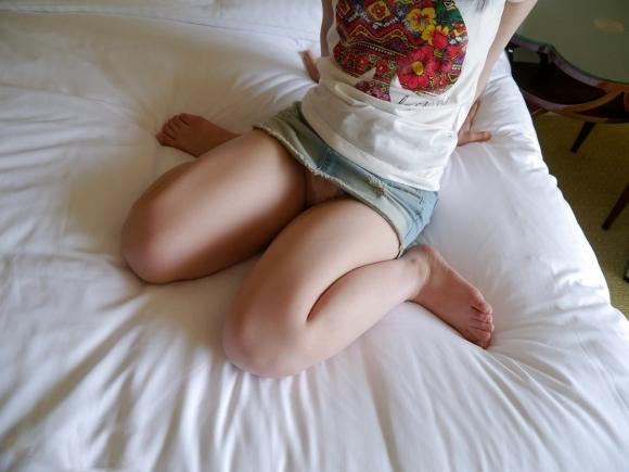 デニムスカート履いてる女の子のエロスがハンパないwwwwwww【画像30枚】11_20171009012753b44.jpg