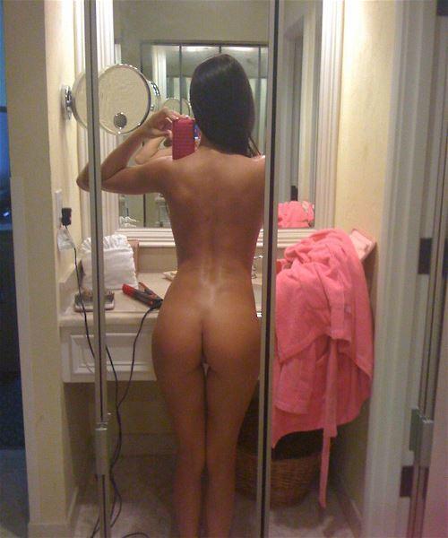 【自撮りおしり画像】SNSで素人女子自慢のイイ尻を検索してみたwwwwwww【画像30枚】11_201712080220513f5.jpg