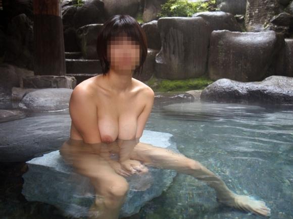 温泉とおっぱいのコラボレーションがサイコーすぎるwwwwwww【画像30枚】12_2017122315401866f.jpg