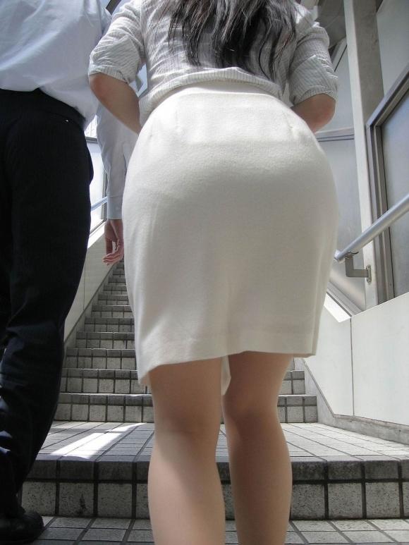 服の上からでも分かるエロいおしりを持った女の子サイコーwwwwwww【画像30枚】13_20171015011829b98.jpg