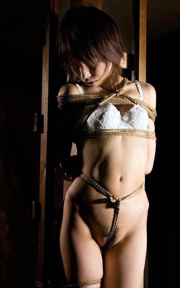 【ソフトSM】縛られて性のオモチャにされてる女の子の恥ずかしい姿wwwwwww【画像30枚】13_20180324014600621.jpg