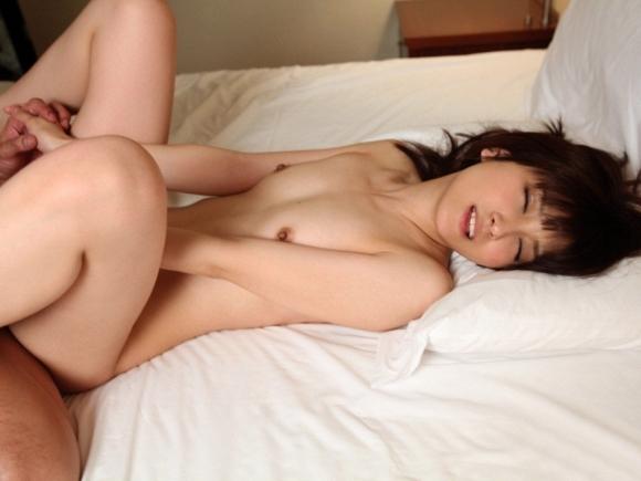 貧乳女と正常位セックスするとこうなるwwwwwww【画像30枚】13_20180613012914f66.jpg