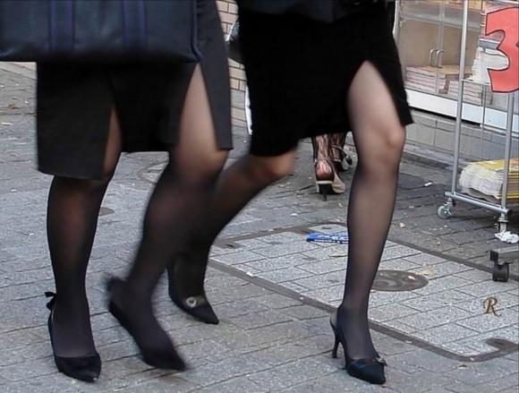 スリットスカートの割れ目から見える脚がくっそエロいwwwwwww【画像30枚】13_20180628015403802.jpg