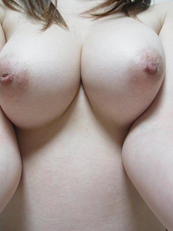 【自撮りおっぱい画像】素人女子の育ちに育った巨乳おっぱいがめっちゃイイね!wwwwwww【画像30枚】13_201808291932586bf.jpg