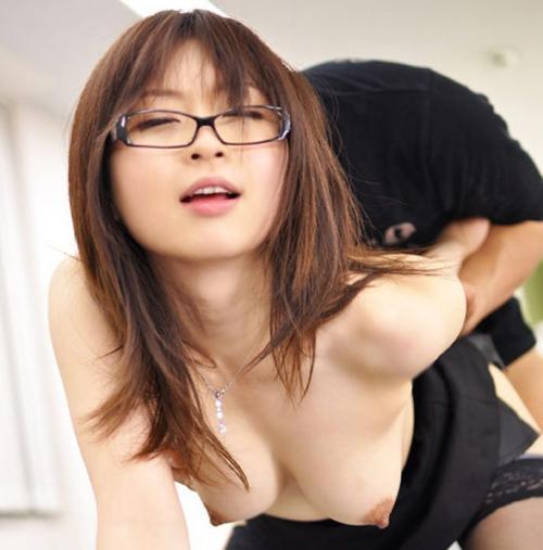 メガネっていう女の子にエロスを与えるアイテム最強wwwwwww【画像30枚】14_20171210012246823.jpg