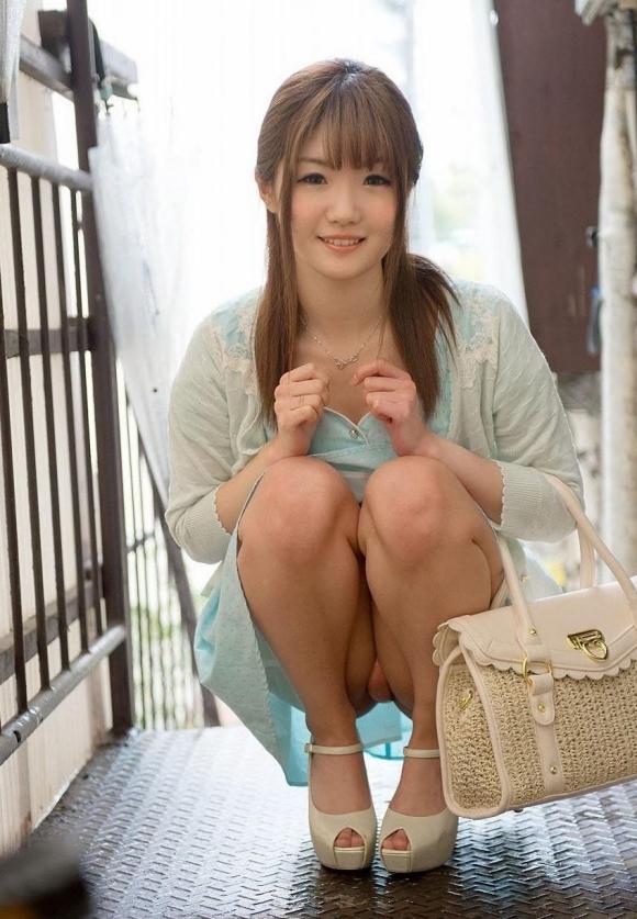 笑顔で可愛い女の子のパンチラって元気もらえるわぁwwwwwww【画像30枚】14_20171226033603df4.jpg