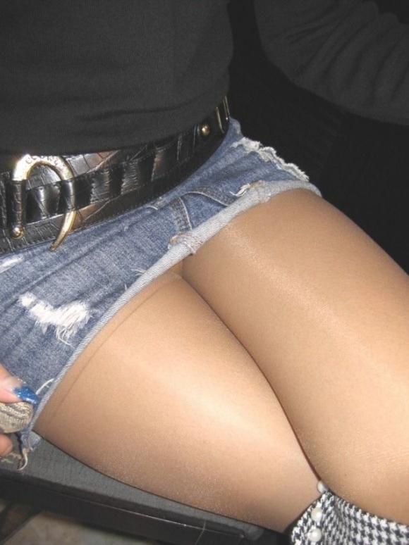 全部デニムスカートが悪い!wwwこういうパンチラがエロいwwwwwww【画像30枚】14_20180129154142759.jpg