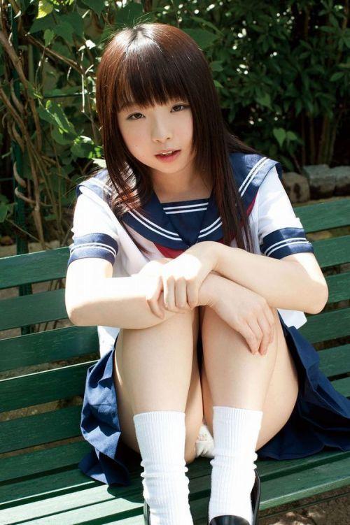 可愛い女の子の座りパンチラとか最高すぎるwwwwwww【画像30枚】14_2018090916563120b.jpg