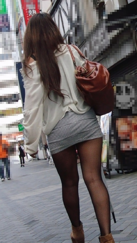 こういうソソる服装で外出する素人ってなんなん?wwwwwww【画像30枚】15_20180212001342699.jpg