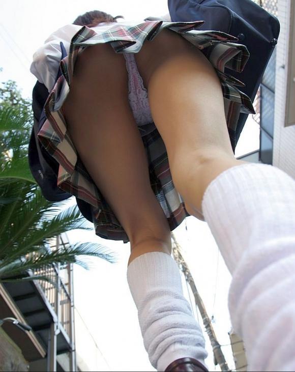 【パンチラ】リアルに女の子のパンツを覗き見したいwwwwwww【画像30枚】15_20180528003839474.jpg