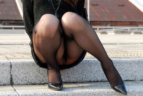 黒ストッキングを履いたOLさんの脚ってエロいよなwwwwwww【画像30枚】16_20171024131305067.jpg