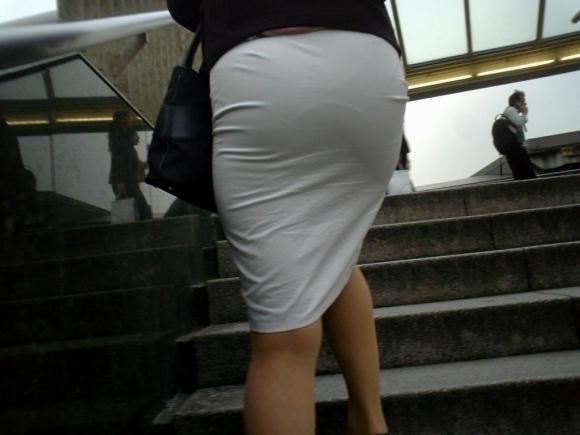 暑いからってパンツ透けるスカートで外出しちゃダメだってwwwwwww【画像30枚】16_20180601004750711.jpg