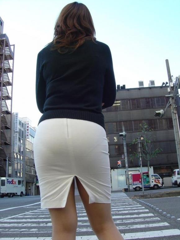 外で見られるエロい着衣プリケツ画像貼ってくwwwwwww【画像30枚】17_20180122234342ea8.jpg