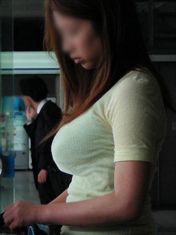 パツンパツンの着衣巨乳の女の子をたまに見るけど羨ましいよなぁぁぁwwwwwww【画像30枚】17_2018032800594617b.jpg