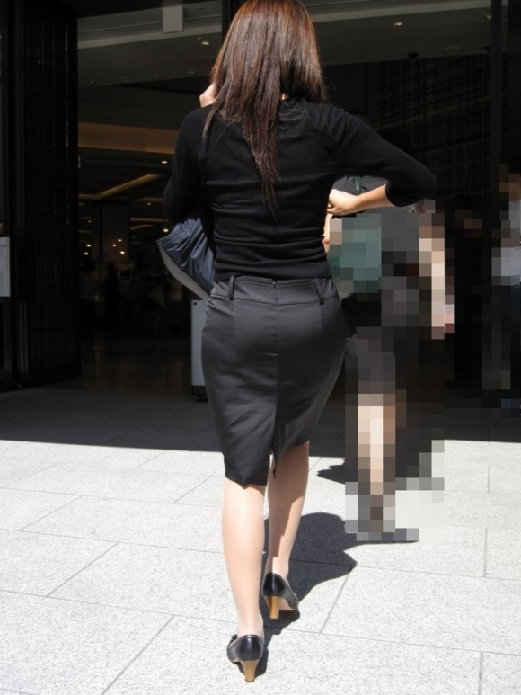 タイトスカートのおしりってくっそエロいよなwwwwwww【画像30枚】17_20180527005028a14.jpg