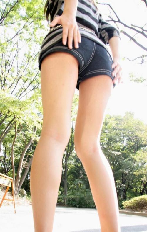 女の子が着るホットパンツっていうエロい服装wwwwwww【画像30枚】17_20180708003248470.jpg