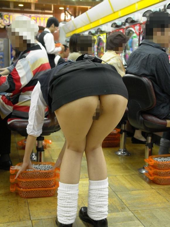 パチンコ店内のエロさが想像以上だったwwwwwww【画像30枚】17_20180728011333437.jpg