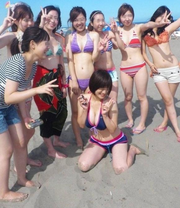 【素人エロ画像】おっぱいアピールが激しい素人女子の水着姿がくっそエロいwwwwwww【画像30枚】17_2018073100453307e.jpg