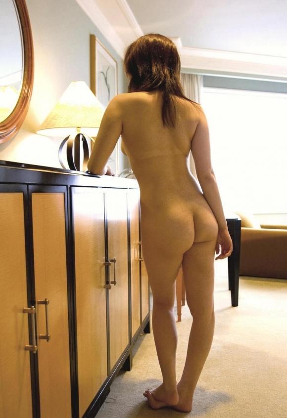 【流出画像】彼女の無防備な後ろ姿を撮ってうpしちゃうヤツwwwwwww【画像30枚】18_20171012135547a19.jpg