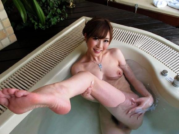 寒い日はこういう可愛い女の子とのぼせるまで一緒にお風呂に入りたいwwwwwww【画像30枚】18_20171205012344cbe.jpg
