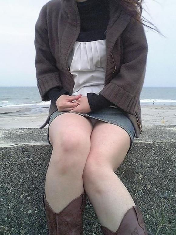 全部デニムスカートが悪い!wwwこういうパンチラがエロいwwwwwww【画像30枚】18_20180129154148be0.jpg