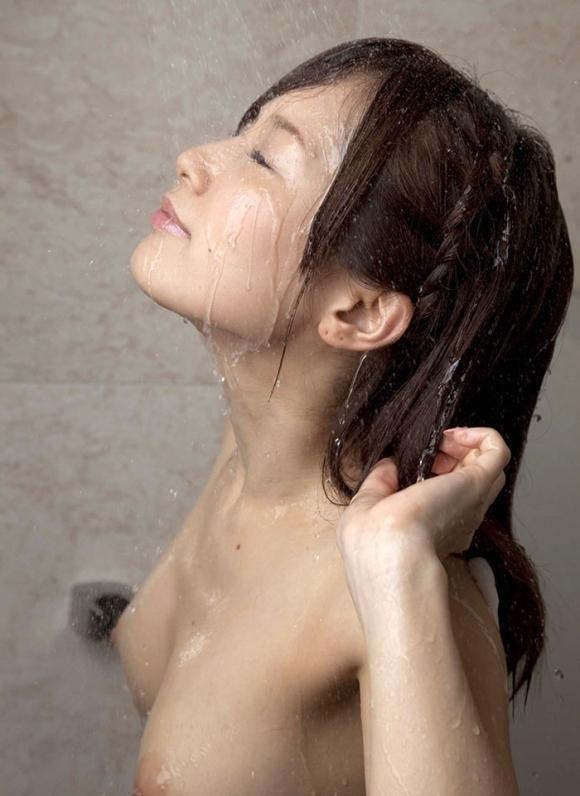 【お風呂エロ画像】シャワー浴びてる女の子がエロすぎてカオスwwwwwww【画像30枚】18_201804140059255f9.jpg