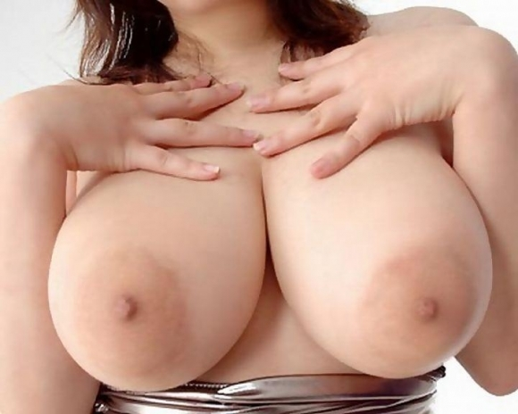 【デカパイ】乳房だけじゃなく乳輪まで大きくなった巨乳おっぱいwwwwwww【画像30枚】20_20180316020726a9c.jpg
