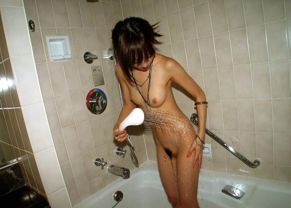 【お風呂エロ画像】シャワー浴びてる女の子がエロすぎてカオスwwwwwww【画像30枚】20_2018041400592978b.jpg