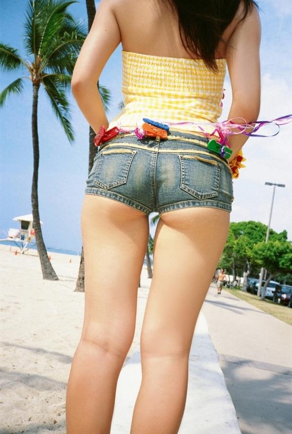 暑くなってきて僕たちの好きなホットパンツの季節がやってくる!wwwwwww【画像30枚】20_201805010048571a5.jpg