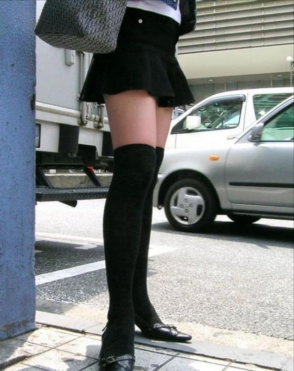 ニーハイ履いた女の子の脚がマジでたまらんwwwwwww【画像30枚】20_2018050801172356b.jpg