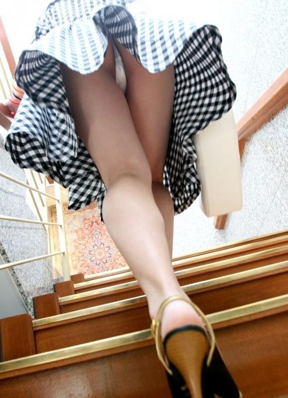 【パンチラ】リアルに女の子のパンツを覗き見したいwwwwwww【画像30枚】20_20180528003847fc7.jpg