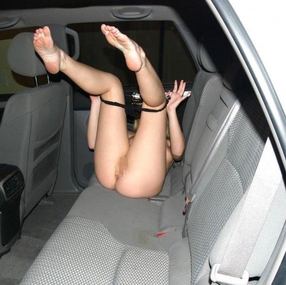 【流出画像】彼女がパンツ脱いでる姿がエロくてパシャリしちゃってるやつwwwwwww【画像30枚】20_20180803003200cdc.jpg
