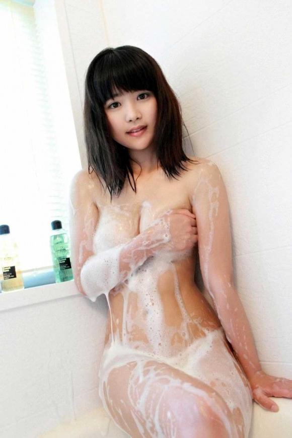 【入浴中】お風呂で泡まみれの女の子の身体がめっちゃエロいwwwwwww【画像30枚】20_20180811003416323.jpg