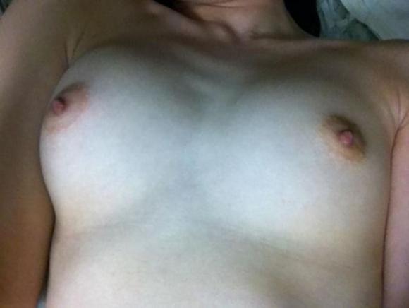【流出画像】彼氏のせいで裸画像が流出しちゃった可哀相な女の子たちwwwwwww【画像30枚】20_20180917164708b67.jpg
