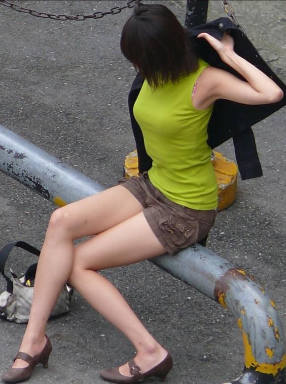 こんなエロい服装で外出しちゃう女の子結構いるんだなwwwwwww【画像30枚】21_201710280112164ed.jpg