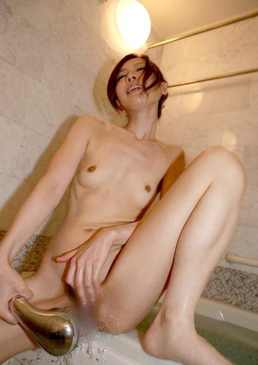 お風呂でイっちゃうwwwシャワーオナニーにハマる女の子wwwwwww【画像30枚】21_20171223155842963.jpg