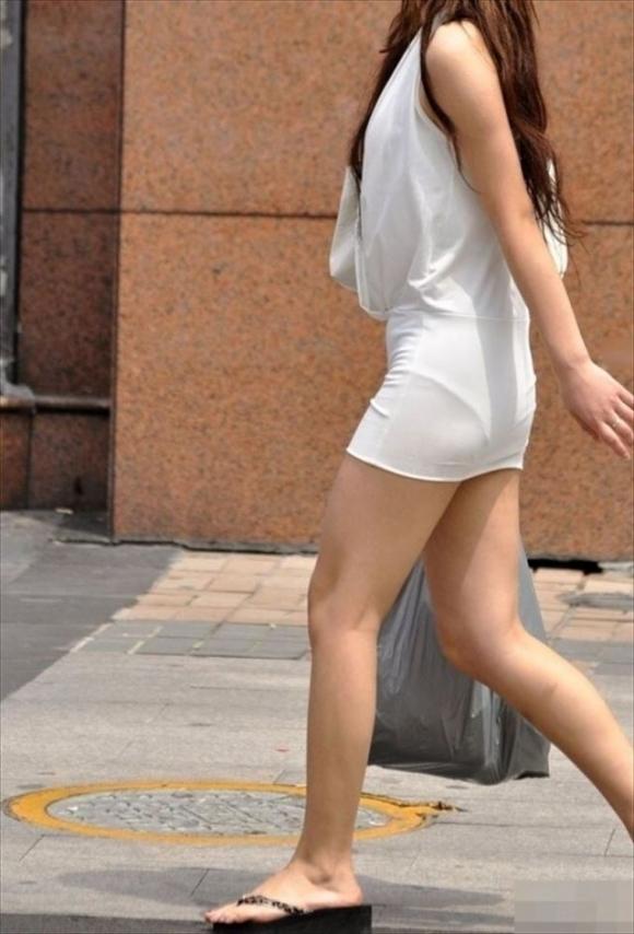 暑くなってきて生太ももを拝める服着る女の子が増えてハッピーwwwwwww【画像30枚】21_20180526005549794.jpg
