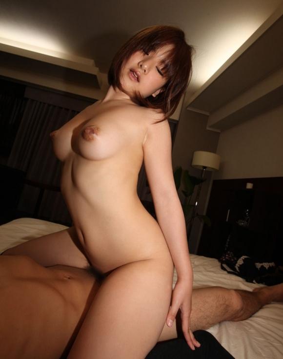 騎乗位セックスで自ら激しく腰振る女の子ってエロすぎだろwwwwwww【画像30枚】22_201803170116151f5.jpg