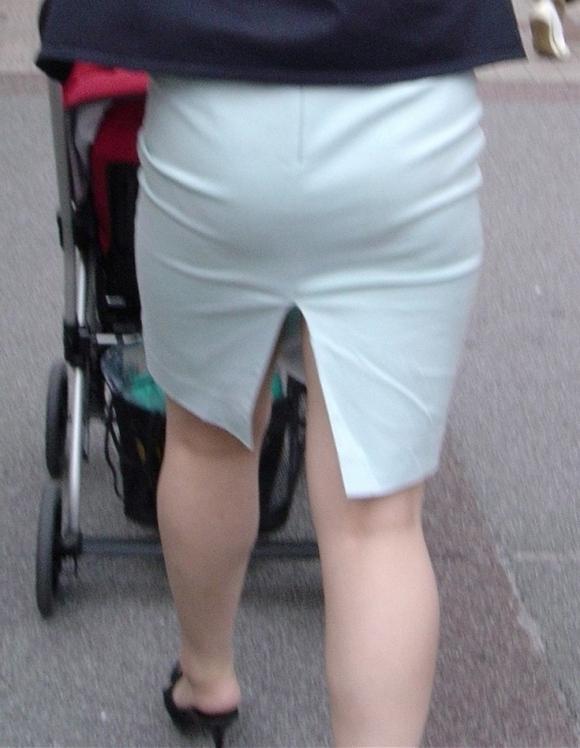 タイトスカートのおしりってくっそエロいよなwwwwwww【画像30枚】22_2018052700505861c.jpg