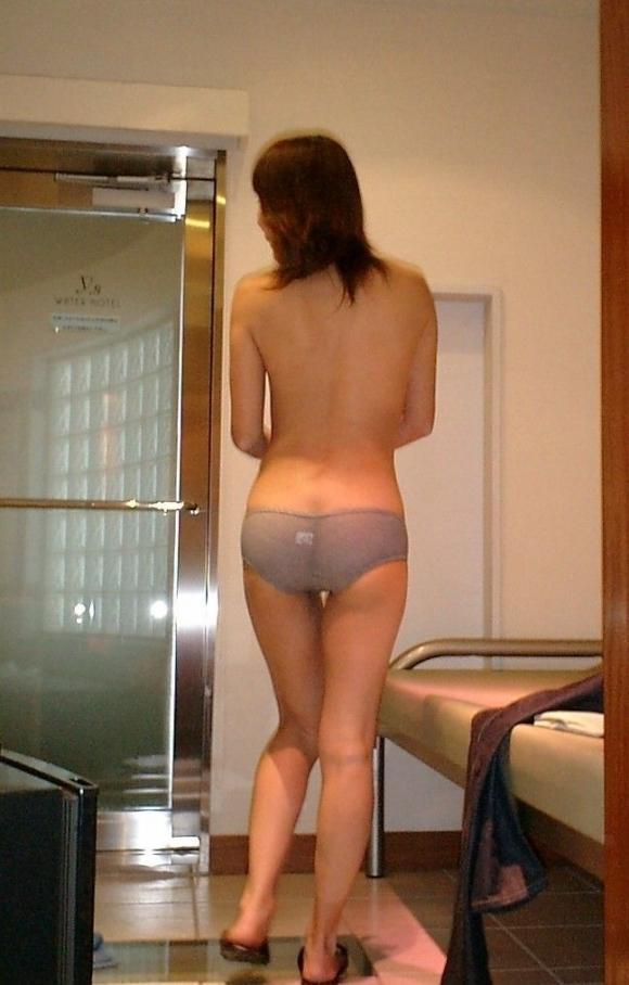【流出画像】彼女の無防備な後ろ姿を撮ってうpしちゃうヤツwwwwwww【画像30枚】23_20171012135620846.jpg