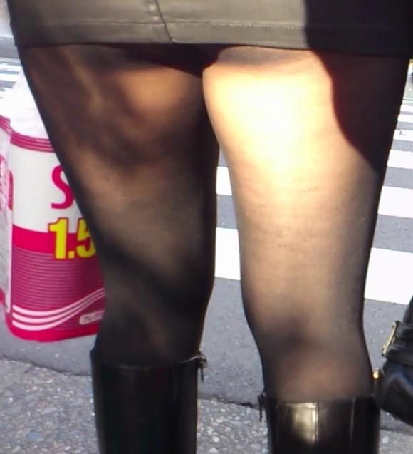 こんなエロい服装で外出しちゃう女の子結構いるんだなwwwwwww【画像30枚】23_20171028011219a41.jpg