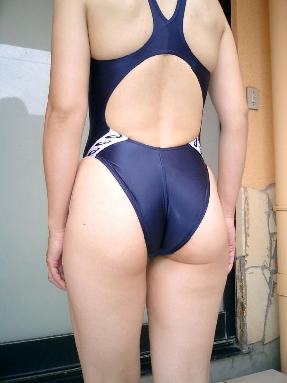 競泳水着がピッタリなってるおしりがくっそエロいwwwwwww【画像30枚】23_2018051300503336a.jpg