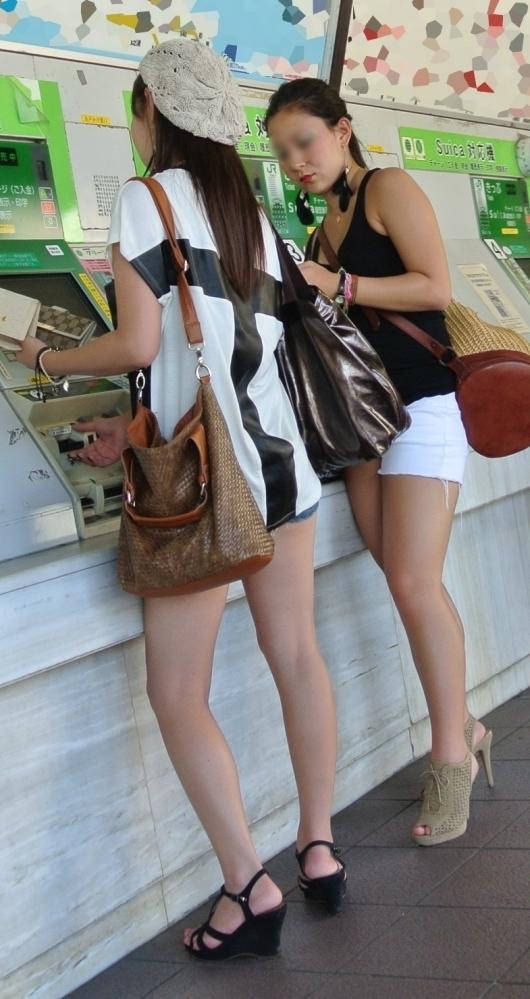 暑くなってきて生太ももを拝める服着る女の子が増えてハッピーwwwwwww【画像30枚】23_20180526005552897.jpg
