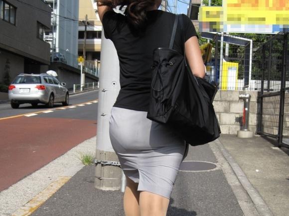 タイトスカートのおしりってくっそエロいよなwwwwwww【画像30枚】23_20180527005059ebe.jpg
