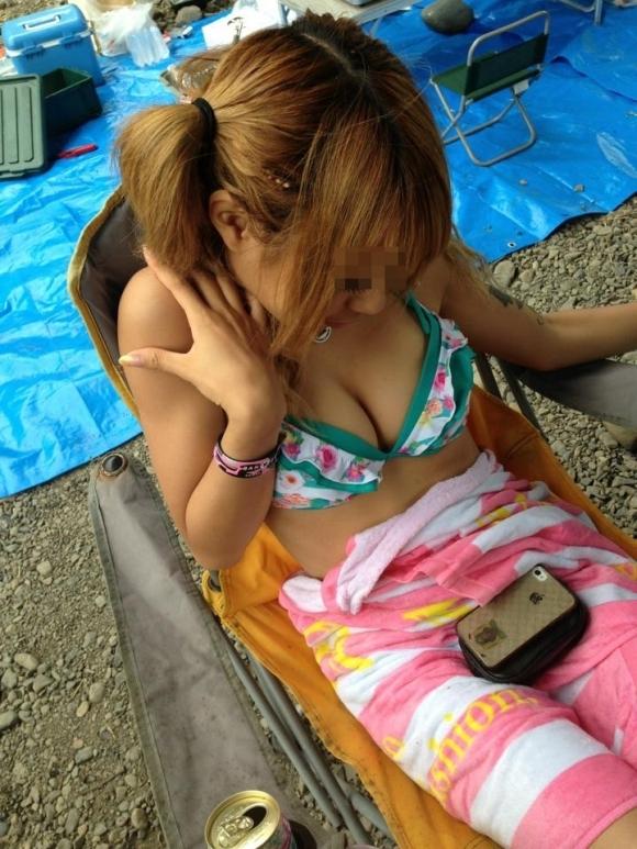【素人エロ画像】おっぱいアピールが激しい素人女子の水着姿がくっそエロいwwwwwww【画像30枚】23_201807310046054f2.jpg