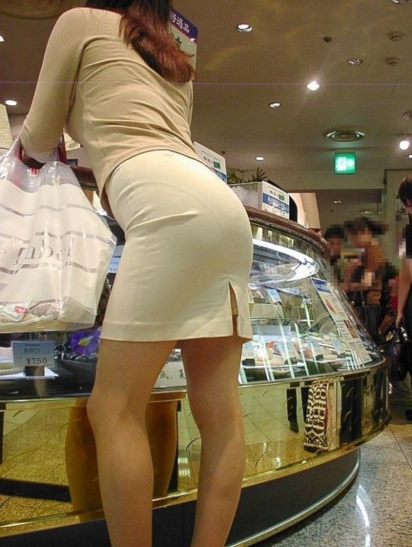 パツパツのタイトスカートからのおしりがエロい!【画像30枚】23_201808052357391e3.jpg