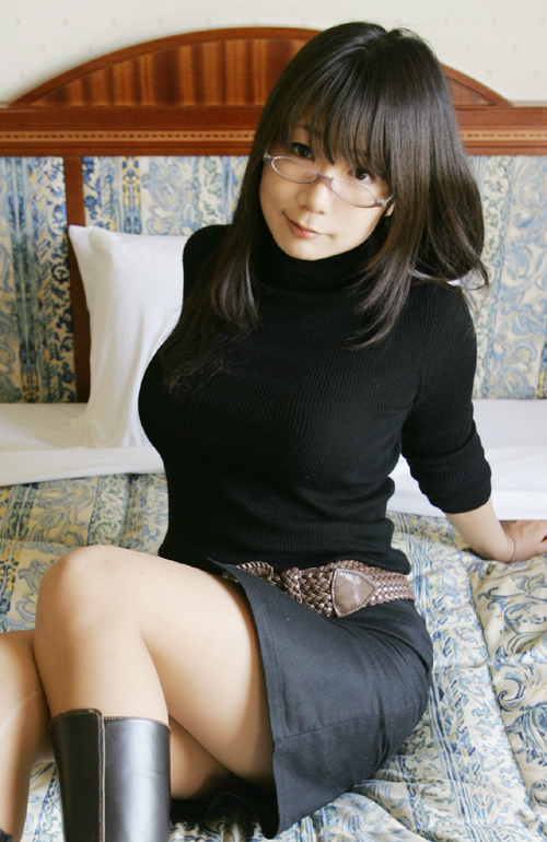 寒いシーズンのNo.1着衣巨乳ファッション→→→ニットセーターに限るwwwwwww【画像30枚】24_20171006134406160.jpg