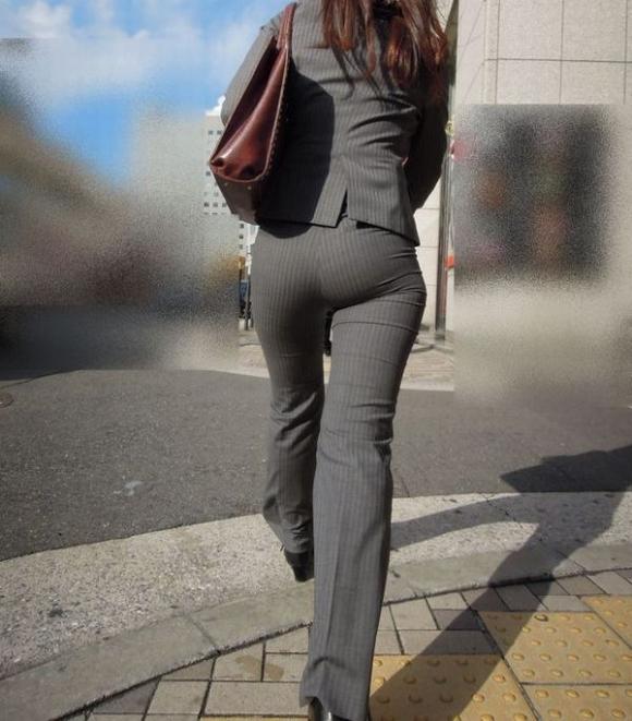 服の上からでも分かるエロいおしりを持った女の子サイコーwwwwwww【画像30枚】24_20171015012025bb8.jpg