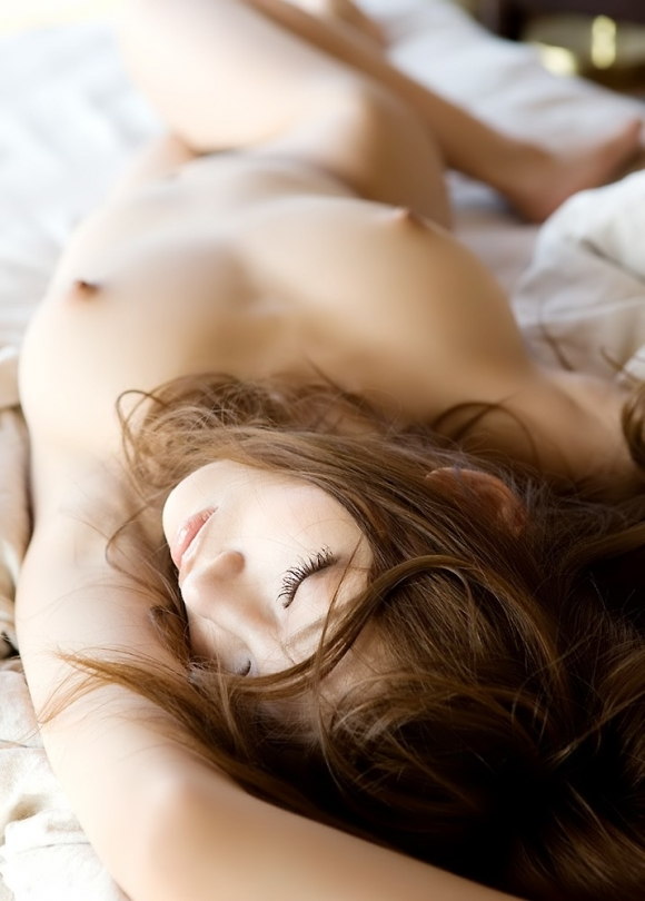 【誘惑】こんな美女にベッドから誘われて断れるヤツいんのか?wwwwwww【画像30枚】26_20180217011447bc9.jpg